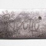 Pelle con laserature2